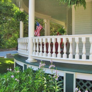 Curved porch rail