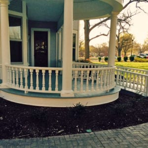 Curved porch railings with spindles