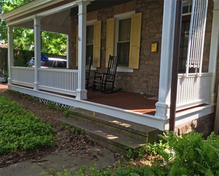 Cedar Wood Porch Railing System for robust Traditional ...